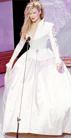 Kim Basinger's 1990 Oscar gown